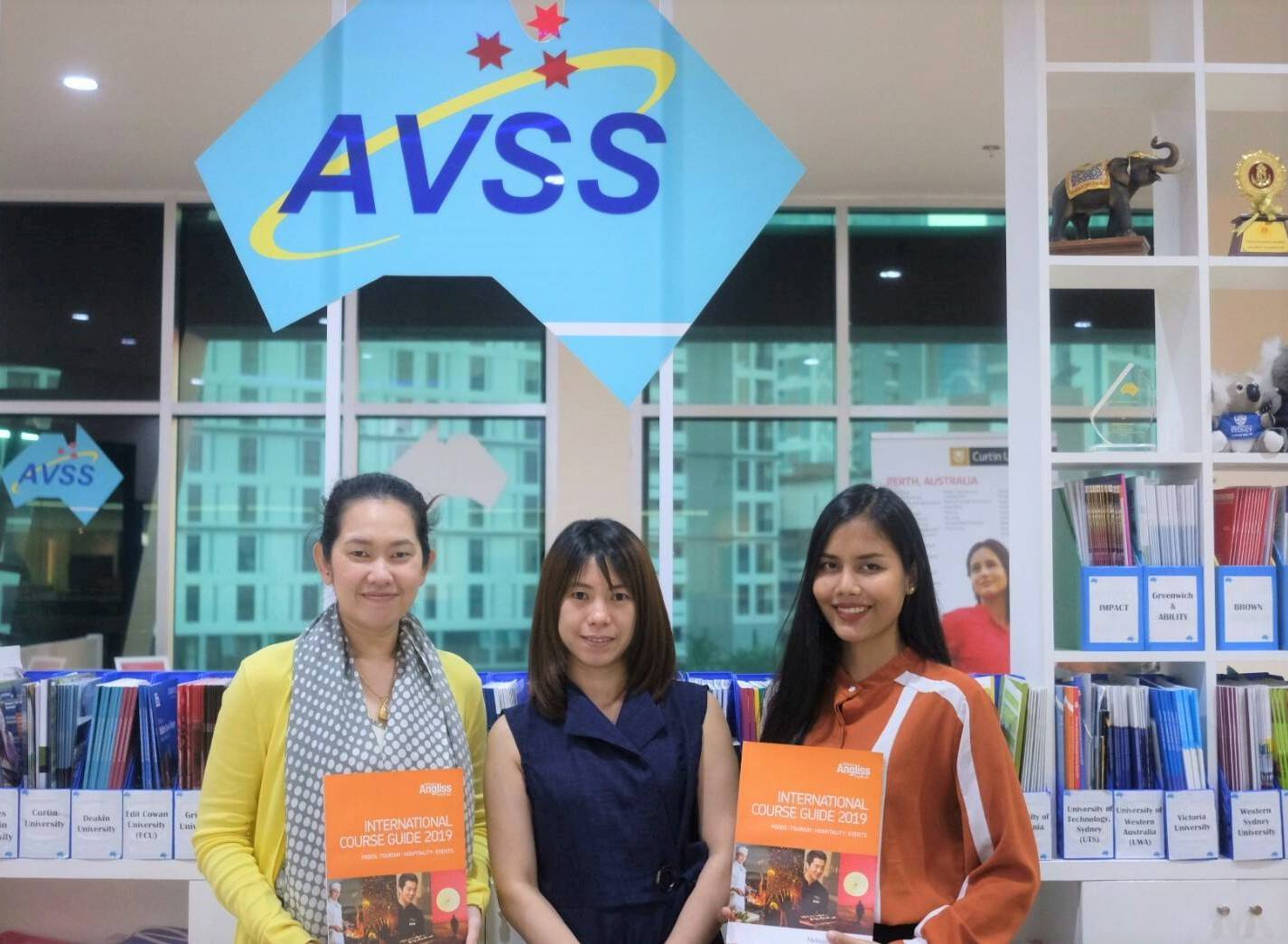 Institute & University Visiting (Bangkok) 2018